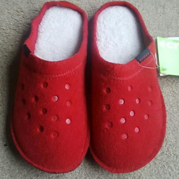 8dd365fa3f23 New Crocs house shoes