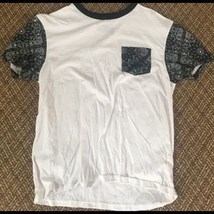 Retrofit Other - Retrofit bandana print pocket t-shirt