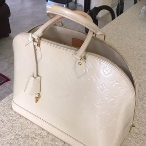 Louis Vuitton Handbags - Authentic Louis Vuitton Alma GM Vernis