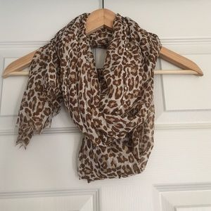 Accessories - ‼️FREE‼️ Leopard scarf with purchase of bundle!