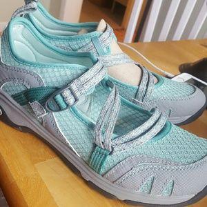Chaco Shoes - Women's Chaco's Outcross