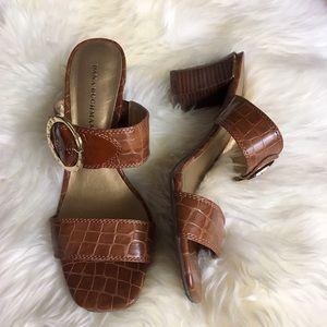 Dana Buchman Shoes - Dana Buchman Evia Cognac Sandal w Gold Detail