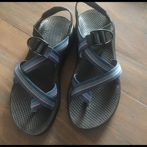 Chacos Shoes - Like new Chacos