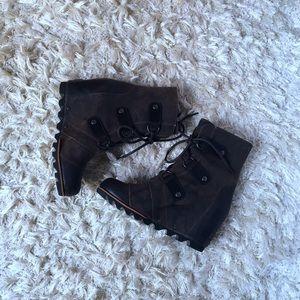 Sorel Shoes - JOAN OF ARCTIC WEDGE MID BOOT