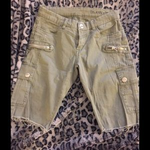 Blank NYC Pants - Olive green mid thigh shorts