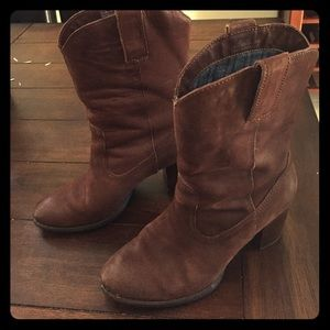 Born Shoes - Born comfy leather western boots!!