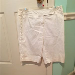 AGB Pants - White Bermuda Shorts