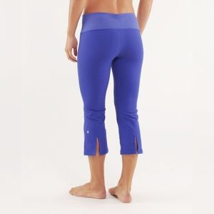 {lululemon} gather and flow crops