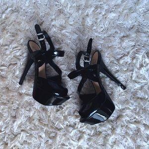Fergie Shoes - 6 inch Fergie platform heel 🥀