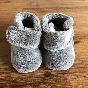 UGG Other - 🌷SALE🌼 Ugg Baby Bixbee Slippers