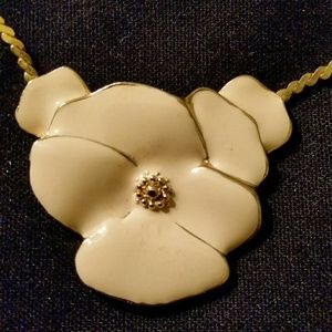 Vintage Floral Chained Necklace