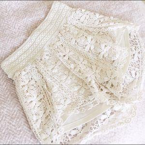 Francesca's Collections Pants - [[20%OffBundles]] Floral Crotchet Tulip Shorts