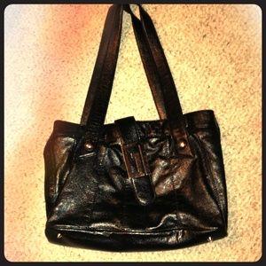 Guess Handbags - ⚡️⚡️⚡️1 hr flash sale⚡️GUESS black purse⭐️like new