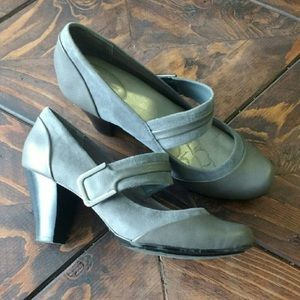 Giani Bernini Shoes - Gianni Bernini grey leather and suede heels size 8