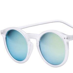Other - Keyhole reflective sunglasses 😎