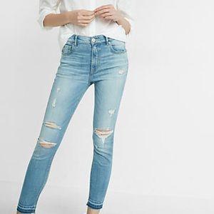 Levi's Pants - LEVI'S light wash distressed knee slit jeans