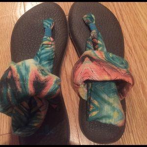 Sanuk Shoes - Sanuk sandals! 🌞