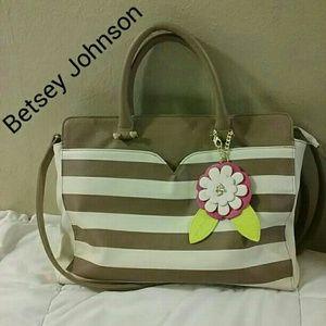 Betsey Johnson Handbags - PERFECT spring Betsey Johnson bag!!!