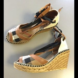 🌸🌺💕 BURBERRY ESPADRILLES (Made in Spain)