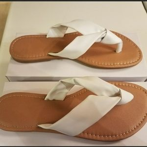 Shoes - Super Cute White Sandals
