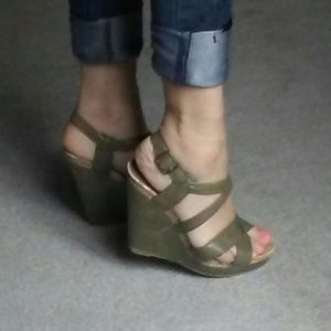 Paprika Shoes - Green Wedge Sandals