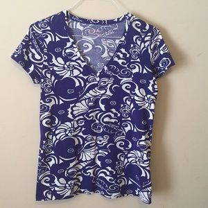 Lilly Pulitzer Tops - V neck tee in Tide Pools