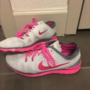 Nike Shoes - Nike Free 5.0