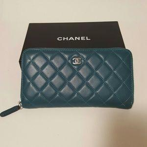 chanel  Handbags - Chanel Classic zipped Wallet