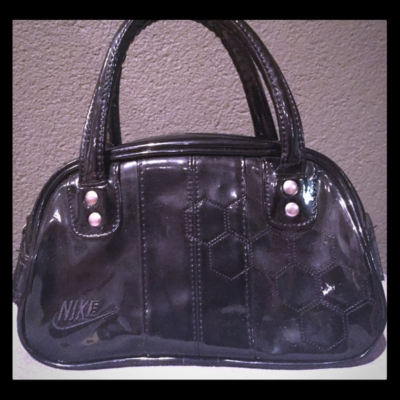 Nike old school gym bag purse. M 58d5f1f5f0928249c4045546 f64ba4f876f56