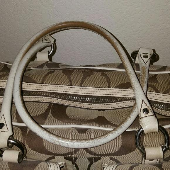75 Off Coach Handbags 🔥sale 🔥 Coach Bag With Side