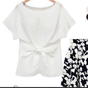 🆕Beautiful white blouse w/knot design 💕