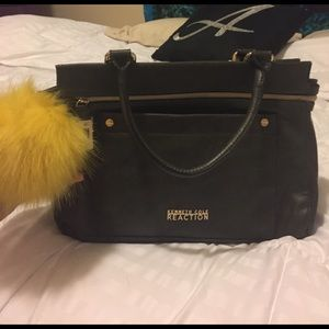 Kenneth Cole Reaction Handbags - SALE ✨Kenneth Cole Reaction purse 💚