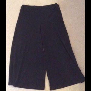 Larry Levine Pants - Black stretch pants.