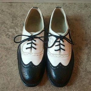 Wanted Shoes - Awesome Wanted oxfords