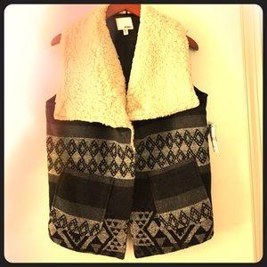 BONGO Other - Warm Tribal Pattern Vest