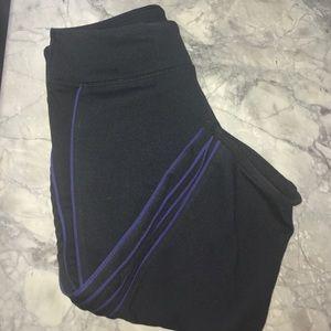 Fabletics Pants - Cropped Fabletics pants