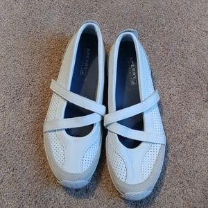 Sperry strappy flats