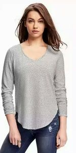 Old Navy Relaxed V-Neck Tee For Women. Size XXL