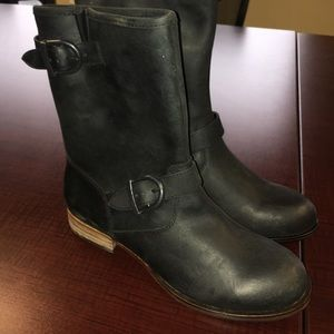 Wolverine women's 1883 black leather buckle boots
