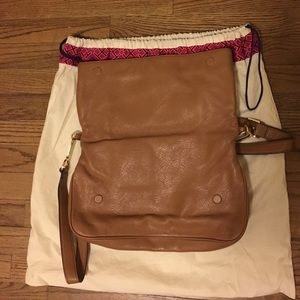 e4cb8f15445a Tory Burch Bags - NWOT Tory Burch All T Suki crossbody bag