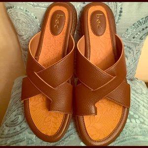 b.o.c. Shoes - 🆕 b.o.c. Toe Ring Sandals