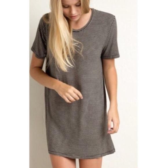 9b7d2cc6de8 Brandy Melville Luana T-Shirt Dress. M 58d69e1356b2d6d0d800be11