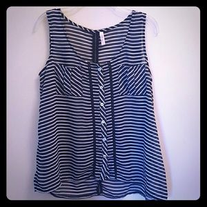 Tops - Navy blue/white button up tank