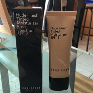 Bobbi Brown Other - Bobbi Brown Nude foundation Finish tinted