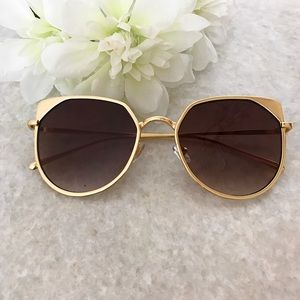 Accessories - Cat Eye Sunglasses in Brown