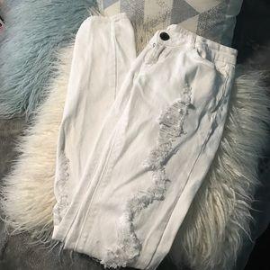 white distressed denim skinny jeans