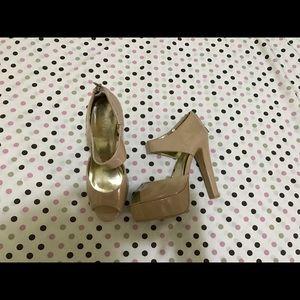 Size 6-6.5  nude heels