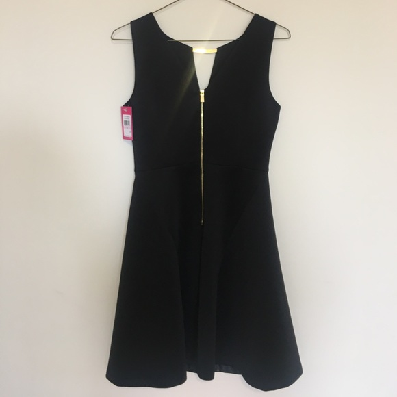 Vince Camuto Dresses - •Vince Camuto black fit and flare dress size 6 •