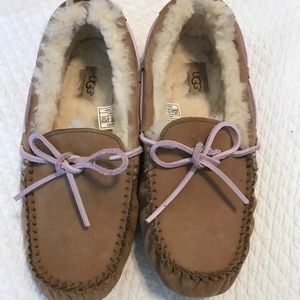 UGG Shoes - Ugg Dakota Slippers tan with pink laces.