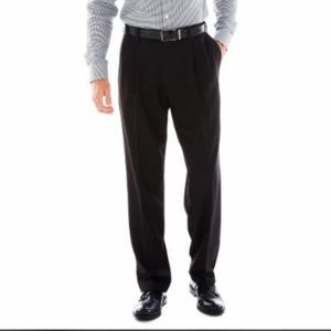 Haggar Other - NWT Haggar Classic Fit ELCO pleat front Pants